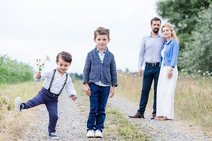 Happy Mum Blog - MumPreneur Sarah Menzi - MumPreneure Family Newborn Kind Sarah Menzi Photography