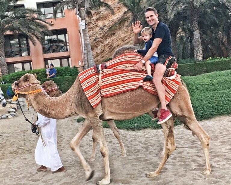 Oman mit Kinder, Muscat, Shanri-La, Arabien, Maskat, Kamelreiten