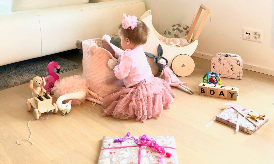 Happy Mum Blog - Geschenkideen für 1-jährige Kinder
