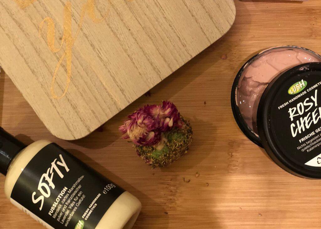 Home Spa, Lush, Gesichtsmaske, Mamaauszeit, Kosmetik, Beauty